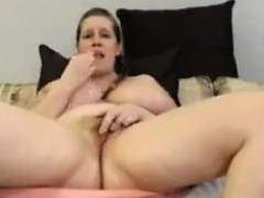 Fat White Chick Masturbates