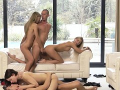 Unbelievable group sexing...