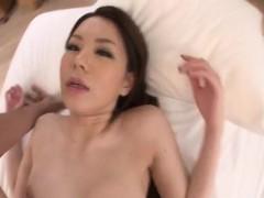 amateur China Mimura blows...