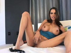Stunning Webcam Girl Shows...